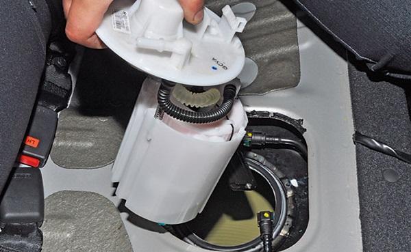 Как заменить топливный насос