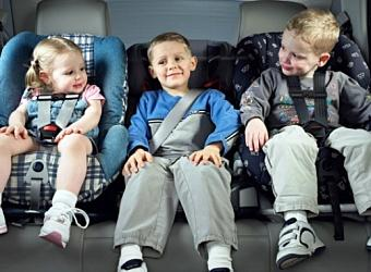 перевозка детей в автомобиле